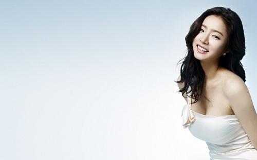 Nâng ngực Hàn Quốc – công nghệ thẩm mỹ của năm