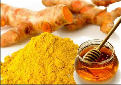 Bài thuốc chữa nhiệt miệng bằng mật ong và tinh bột nghệ
