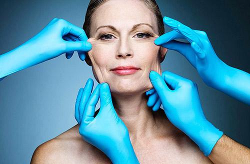 Căng da mặt tối thiểu sẽ giúp bạn loại bỏ nếp nhăn, sự già