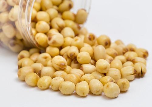 Hạt sen bài thuốc Đông y được nhiều người ưa chuộng vừa tốt cho sức khỏe và làm đẹp da hiệu quả